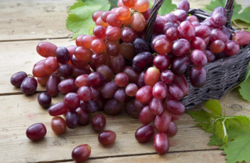 The Healthy Benefits of Red Globe Grapes