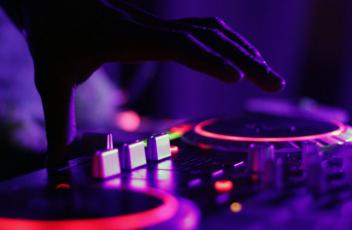 Brisbane DJ hire